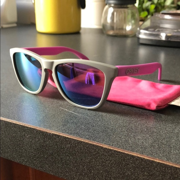 b9b0903f2ddd Oakley Accessories | Frogskin | Poshmark